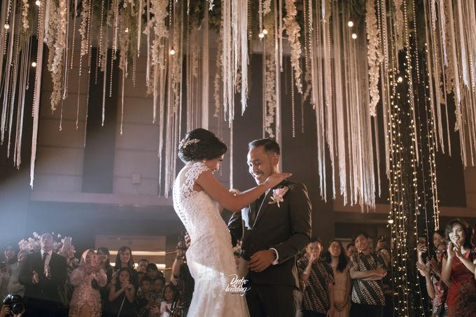 Gumaya Tower Hotel | Dea & Arie by diskodiwedding - 007