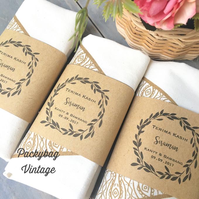 Kanty & Bambang Wedding // Siraman by Packy Bag Vintage - 003