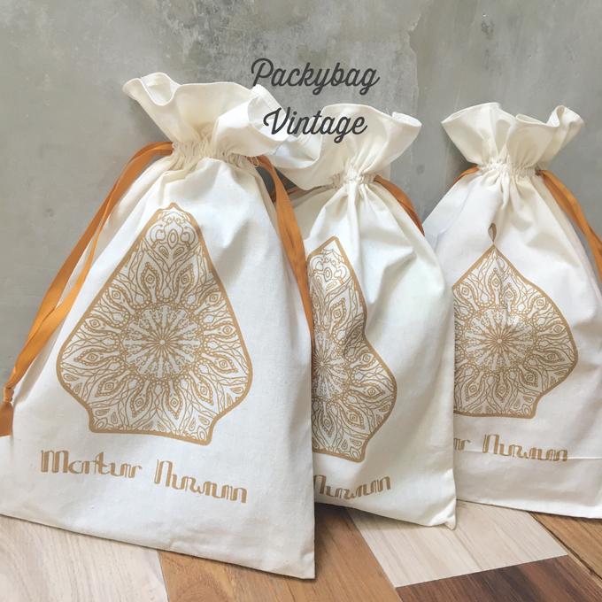 Kanty & Bambang Wedding // Siraman by Packy Bag Vintage - 004