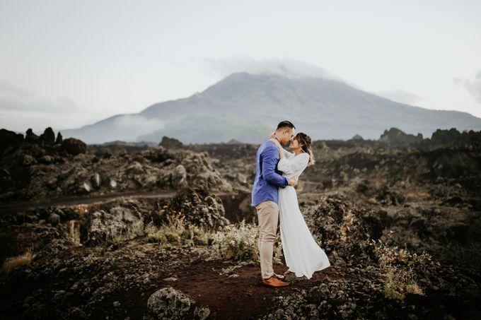 Jennifer and Andrew Sunrise Session in Bali by PadiPhotography - 012