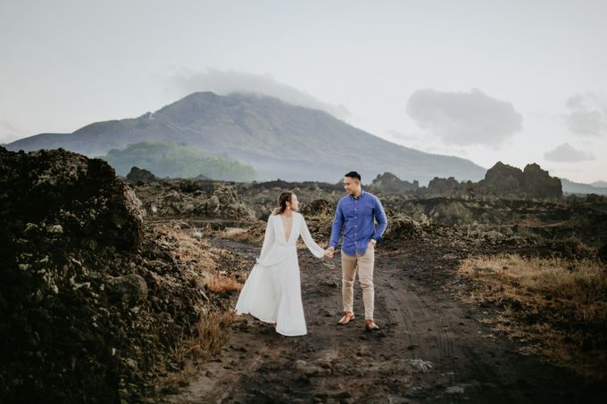 Jennifer and Andrew Sunrise Session in Bali by PadiPhotography - 013