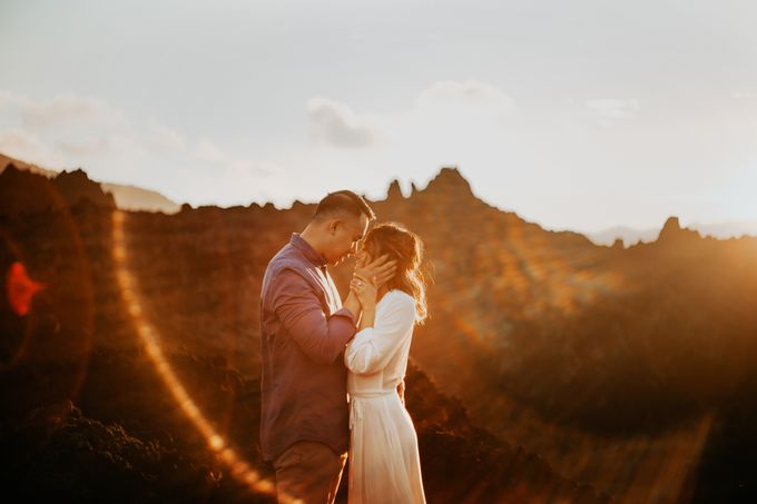 Jennifer and Andrew Sunrise Session in Bali by Endrye MakeupArt - 003