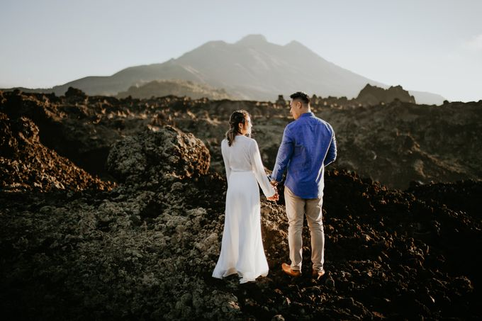 Jennifer and Andrew Sunrise Session in Bali by PadiPhotography - 015