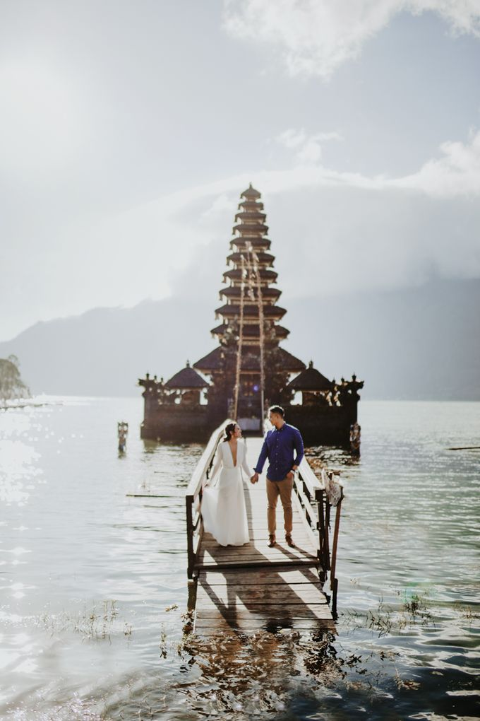 Jennifer and Andrew Sunrise Session in Bali by PadiPhotography - 020