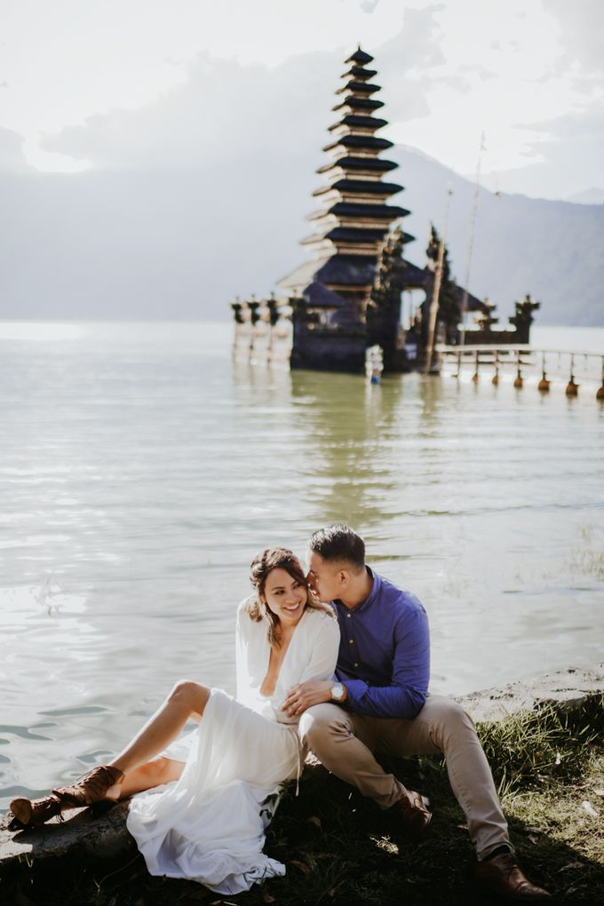Jennifer and Andrew Sunrise Session in Bali by PadiPhotography - 027