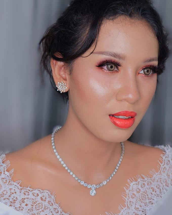 Wedding Make Up Ms. Widya by Pangestwury MakeOver - 001