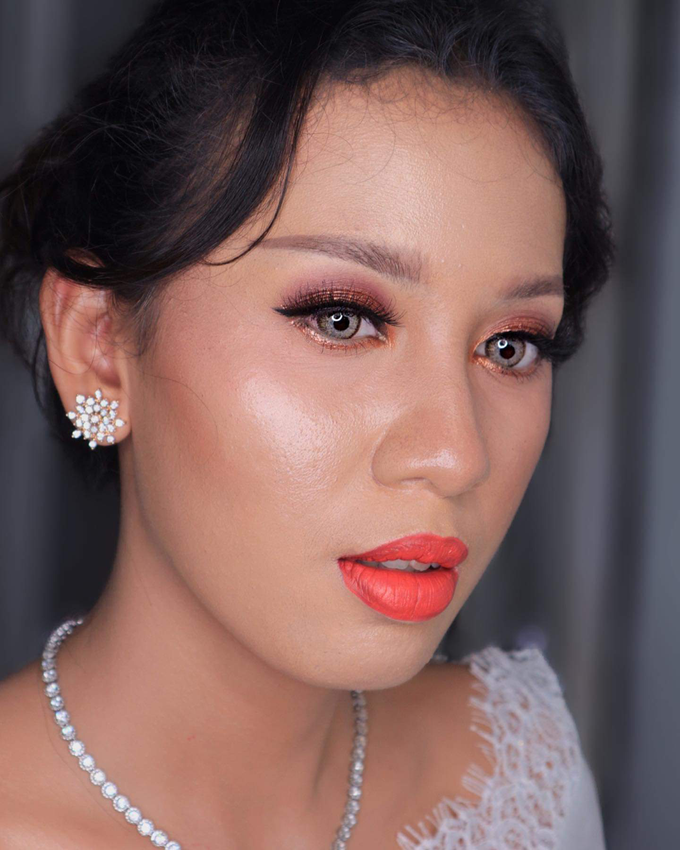 Wedding Make Up Ms. Widya by Pangestwury MakeOver - 002