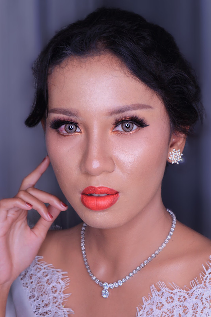 Wedding Make Up Ms. Widya by Pangestwury MakeOver - 003