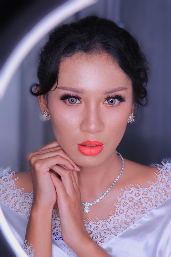 Wedding Make Up Ms. Widya by Pangestwury MakeOver - 005