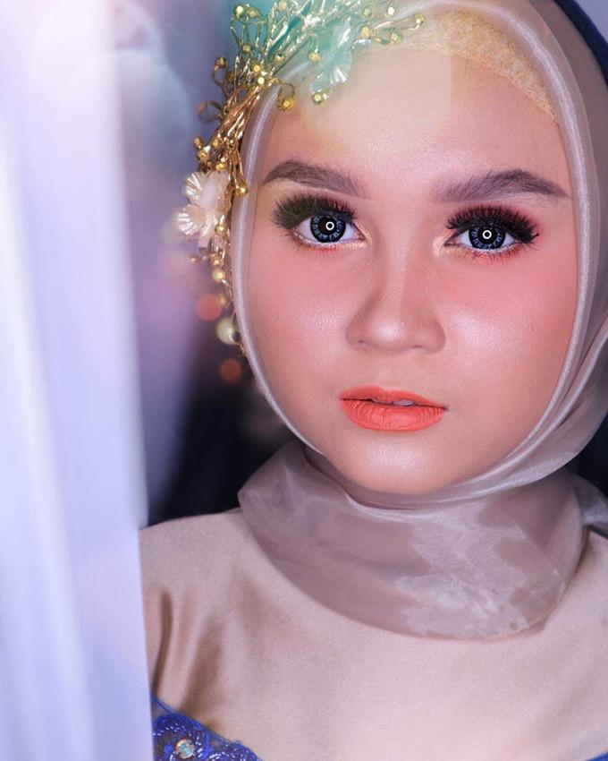 Muslimah Wedding Make Up . Ms. Arum by Pangestwury MakeOver - 001