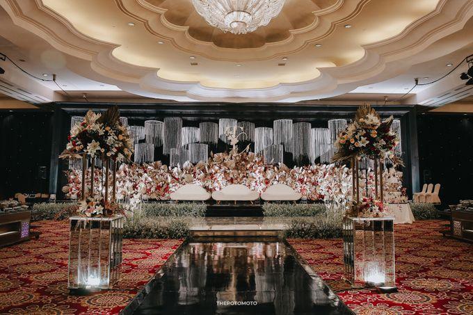 Ritz Carlton Kuningan - Tommy & Catherine by Maestro Wedding Organizer - 021