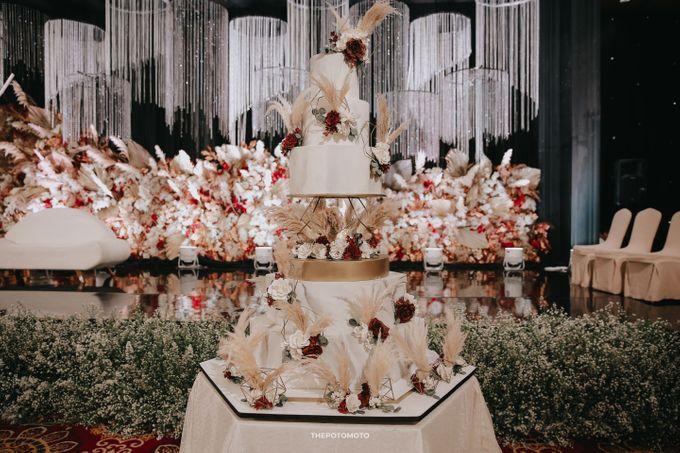 Ritz Carlton Kuningan - Tommy & Catherine by Maestro Wedding Organizer - 023