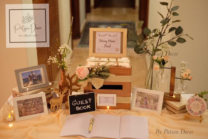 Reception guestbook table styling by Patson Decor - 003