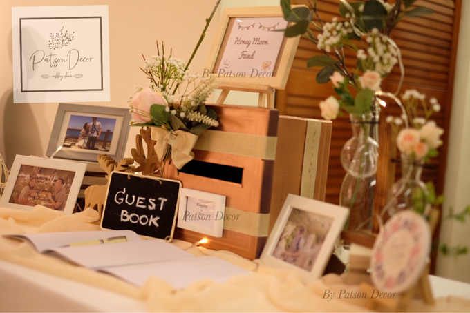 Reception guestbook table styling by Patson Decor - 002