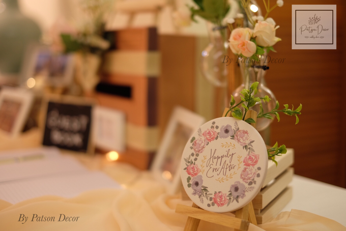 Reception guestbook table styling by Patson Decor - 004