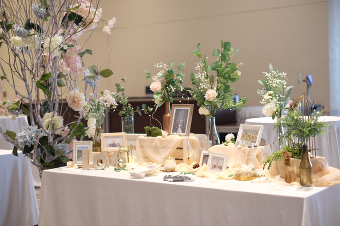 Photo album table for Jia Hui by Patson Decor - 003