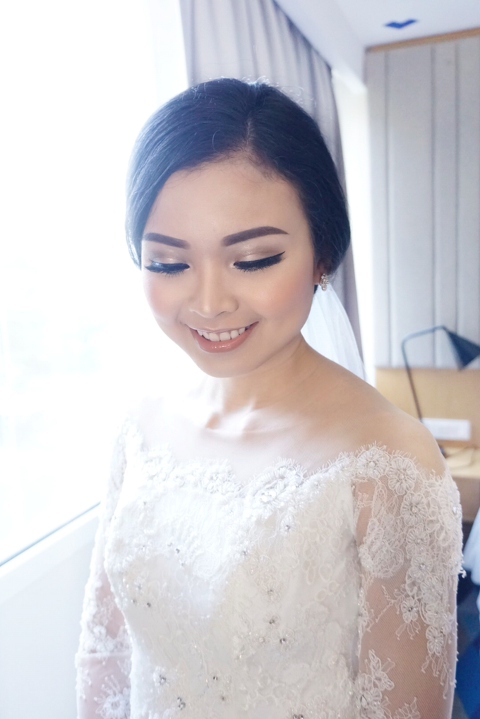 Wedding makeup for maria by Chloe Brides - 002
