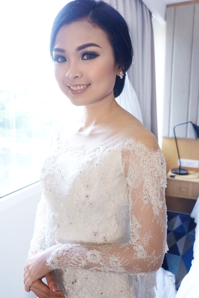 Wedding makeup for maria by Chloe Brides - 004