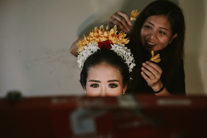Balinese Wedding Ceremony Of Mega & Terry by MOMENTO PHOTOGRAPHY - 003