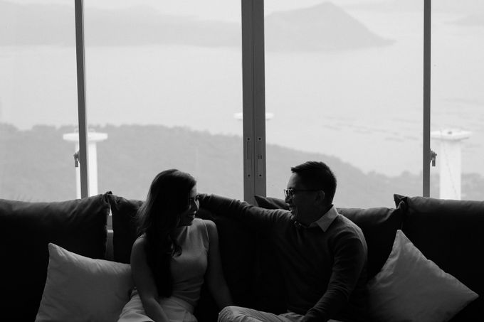 Paolo & Erika - Tagaytay City by Bogs Ignacio Signature Gallery - 002