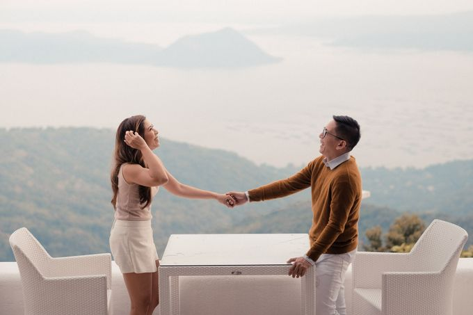 Paolo & Erika - Tagaytay City by Bogs Ignacio Signature Gallery - 004