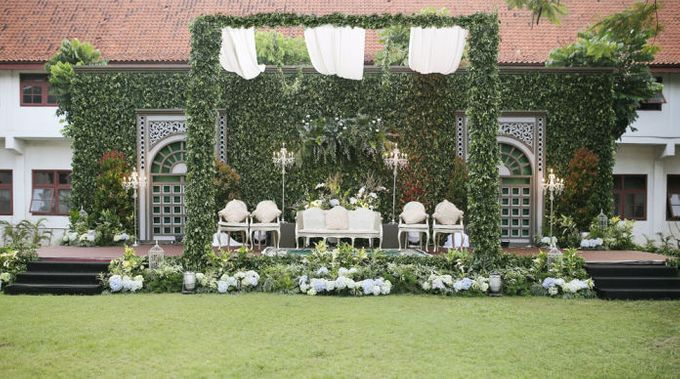 Romantic Foliage Wedding by Pea and Pie - 015