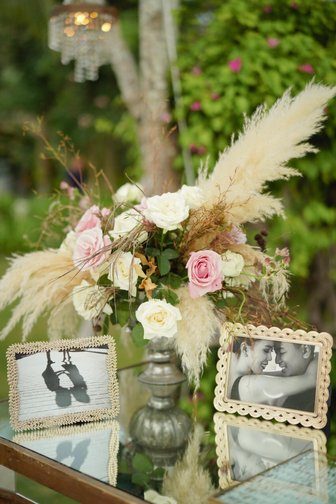 Dusty mauve with pampas grass by Tea Rose Wedding Designer - 004
