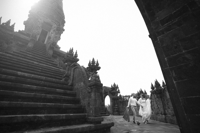 Bali Engagement Portrait of Edwin + Deborah by Vera Wang Singapore - 004