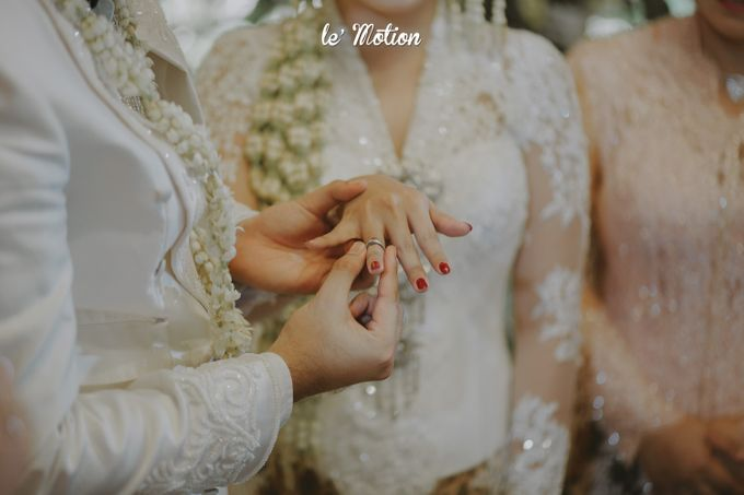 Yayas & Anosa -  Traditional Javanese Night Markets Wedding by Le Motion - 005