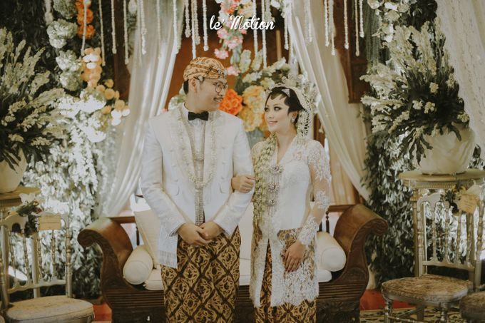 Yayas & Anosa -  Traditional Javanese Night Markets Wedding by Le Motion - 006