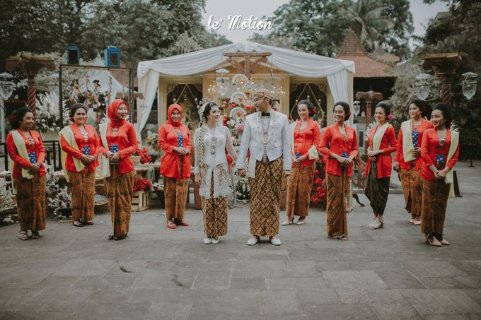 Yayas & Anosa -  Traditional Javanese Night Markets Wedding by Le Motion - 007