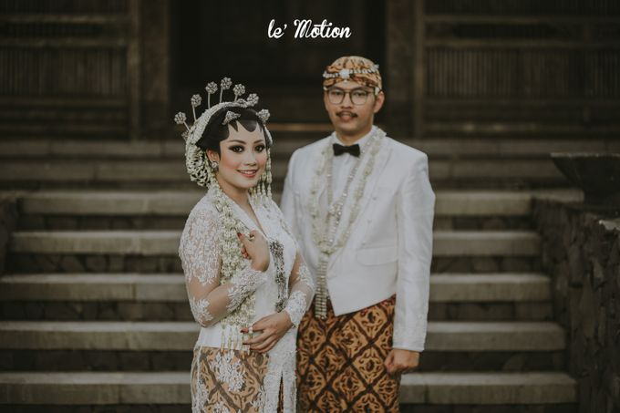 Yayas & Anosa -  Traditional Javanese Night Markets Wedding by Le Motion - 009