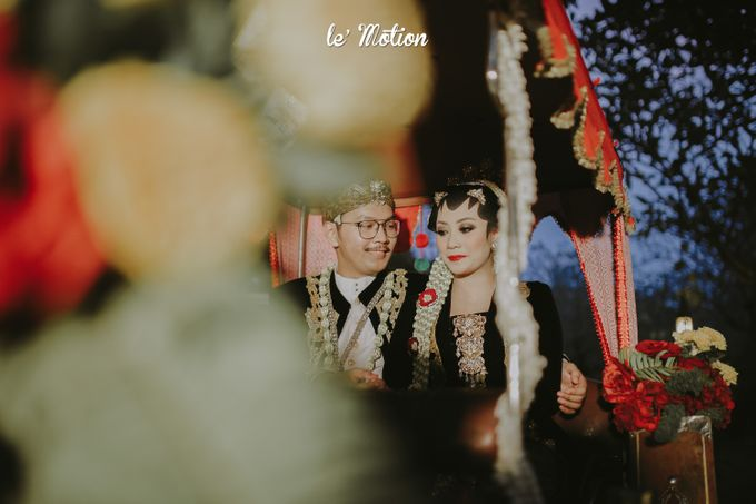 Yayas & Anosa -  Traditional Javanese Night Markets Wedding by Le Motion - 017