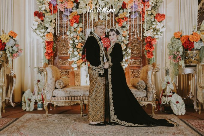 Yayas & Anosa -  Traditional Javanese Night Markets Wedding by Le Motion - 024
