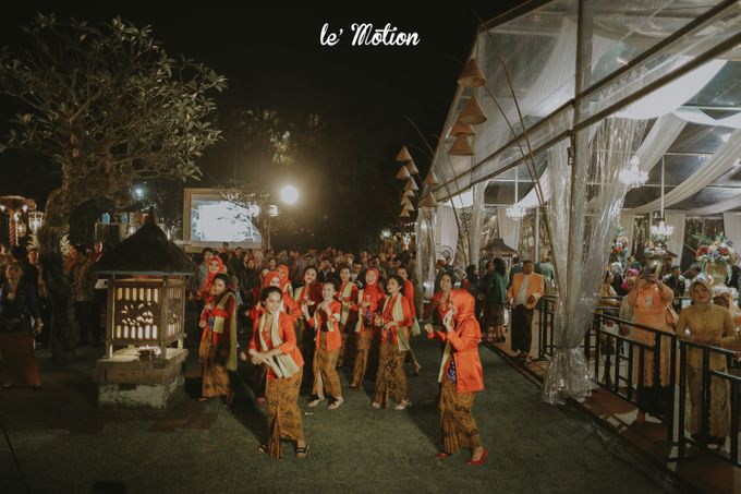 Yayas & Anosa -  Traditional Javanese Night Markets Wedding by Le Motion - 025