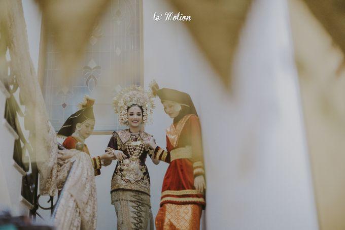Traditional Sundanese and Minang Fusion Wedding of Felli & Reza by Le Motion - 010