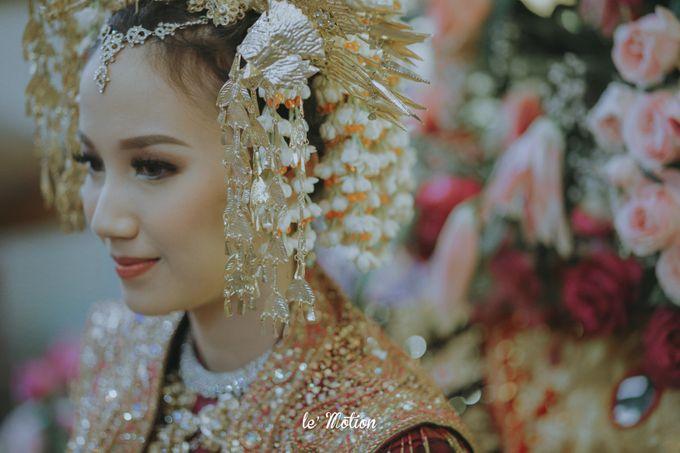 Traditional Sundanese and Minang Fusion Wedding of Felli & Reza by Le Motion - 012