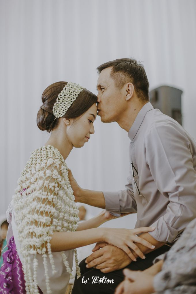 Dhea & Ridho Traditional Palembang Wedding by Le Motion - 011