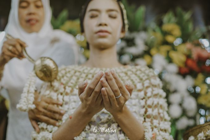 Dhea & Ridho Traditional Palembang Wedding by Le Motion - 014