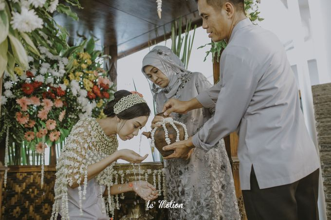 Dhea & Ridho Traditional Palembang Wedding by Le Motion - 015
