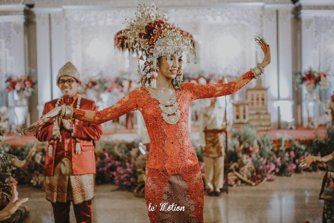 Dhea & Ridho Traditional Palembang Wedding by Le Motion - 043