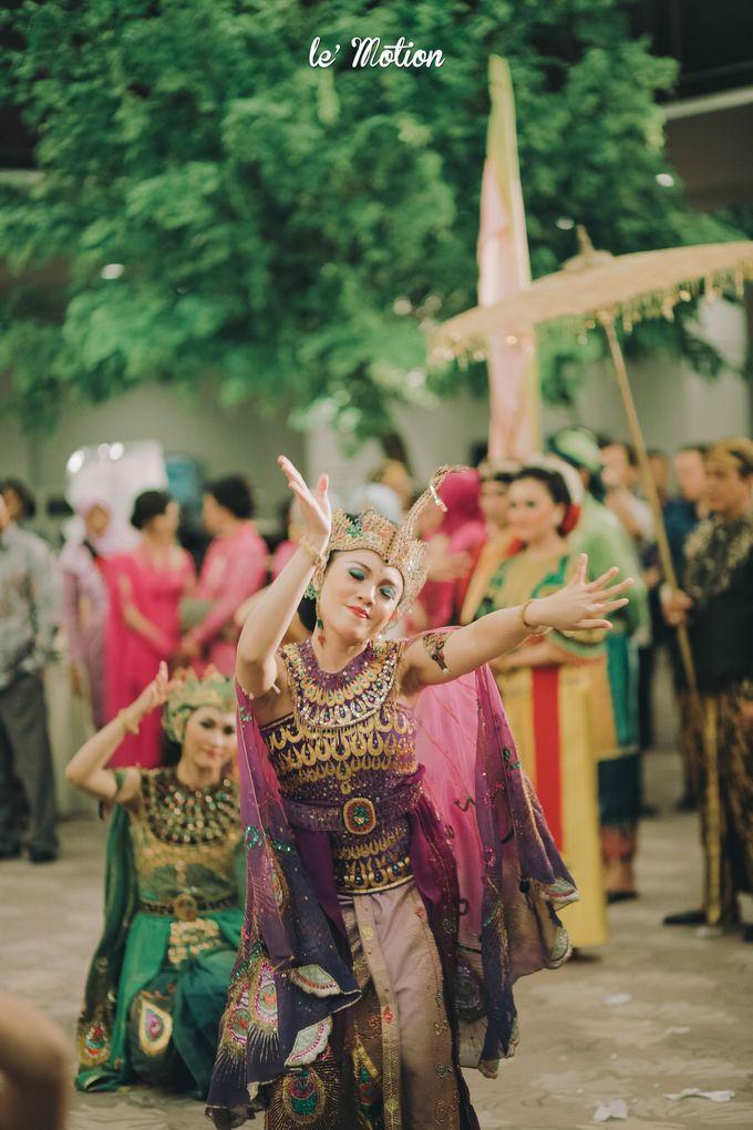 The Enchanting Sundanese Wedding of Sabila & Ardieles by Le Motion - 042
