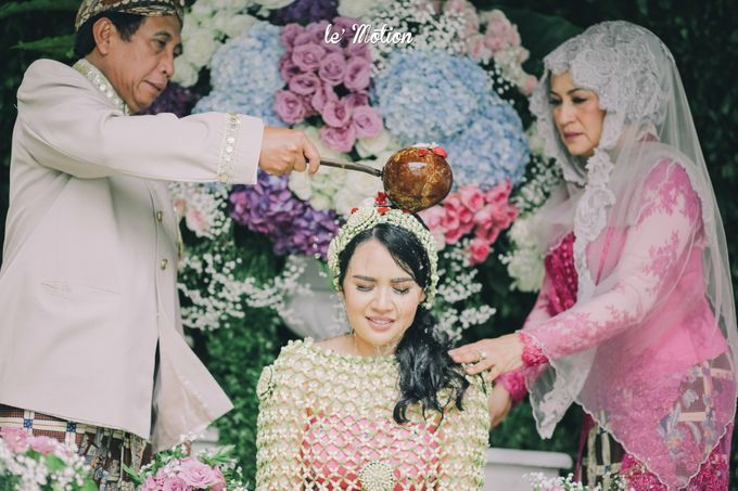 The Enchanting Sundanese Wedding of Sabila & Ardieles by Le Motion - 008