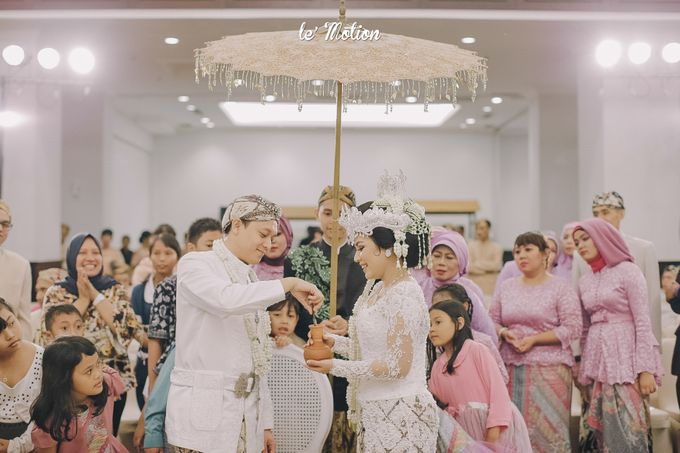 The Enchanting Sundanese Wedding of Sabila & Ardieles by Le Motion - 029