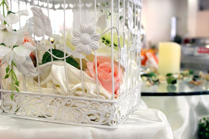A Floral Wedding by Manna Pot Catering - 005