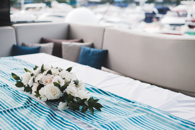 Yacht Wedding by Eagle Wings Yacht Charters Pte Ltd - 002
