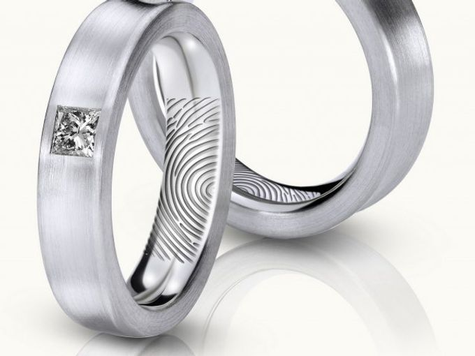 wedding ring engrave & finger print d'sign by V&Co Jewellery - 004