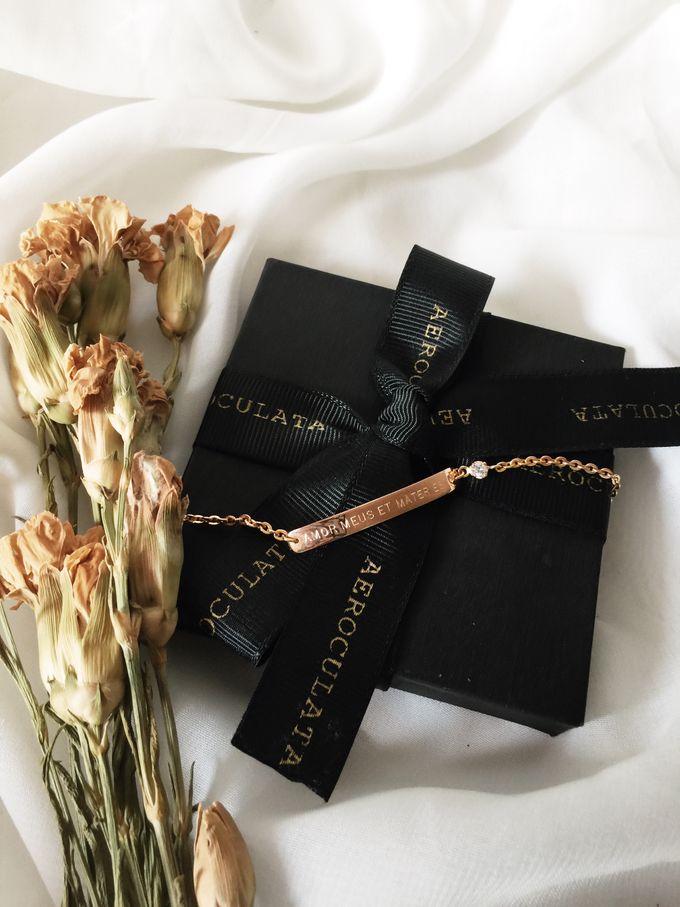 Devina - 18ct Fine Gold Bracelet Bridesmaid Gift by AEROCULATA - 005