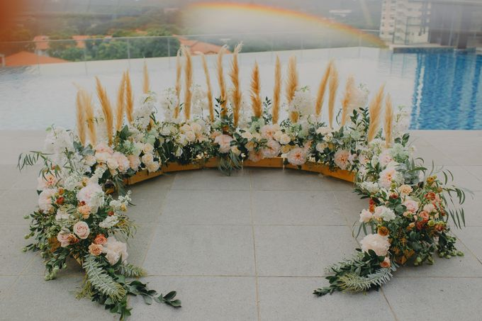 Style Shoot with Bridestory-A ROMANTIC WEDDING INSPIRATION WITH ETHEREAL ELEMENTS by Ling's Palette - 011