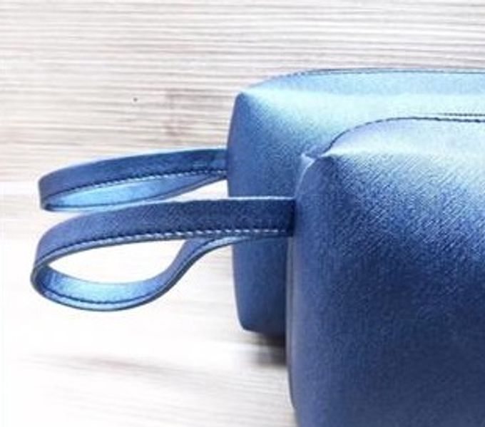 brick pouch by Veddira Souvenir - 001